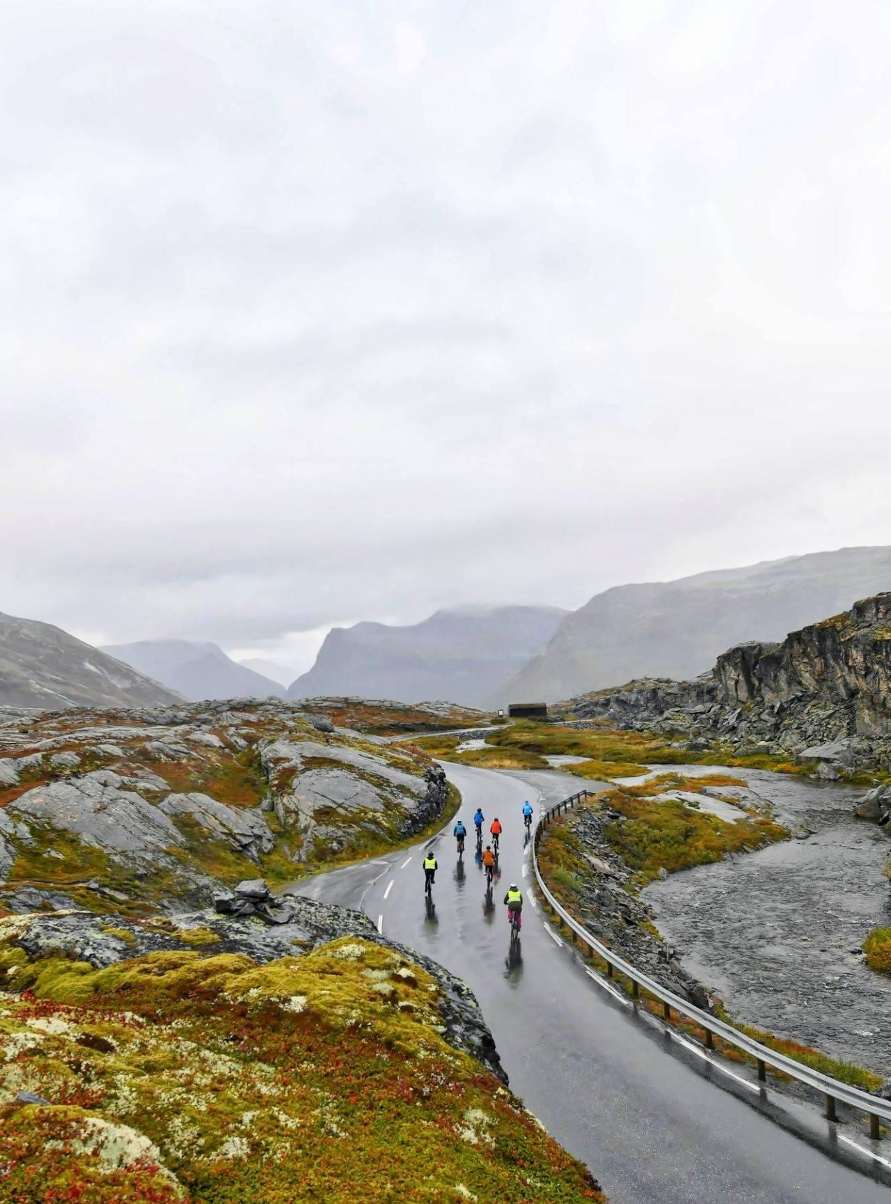 Kayaking and mountain biking inNorway