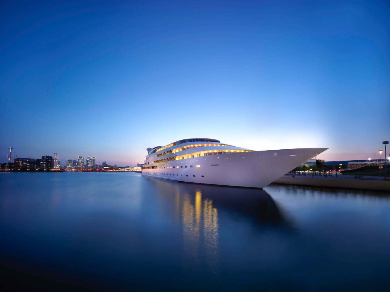 Superyacht hotel still open for lockdownworkers