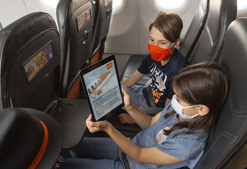 Airline offers free kids language lessons at 35,000feet