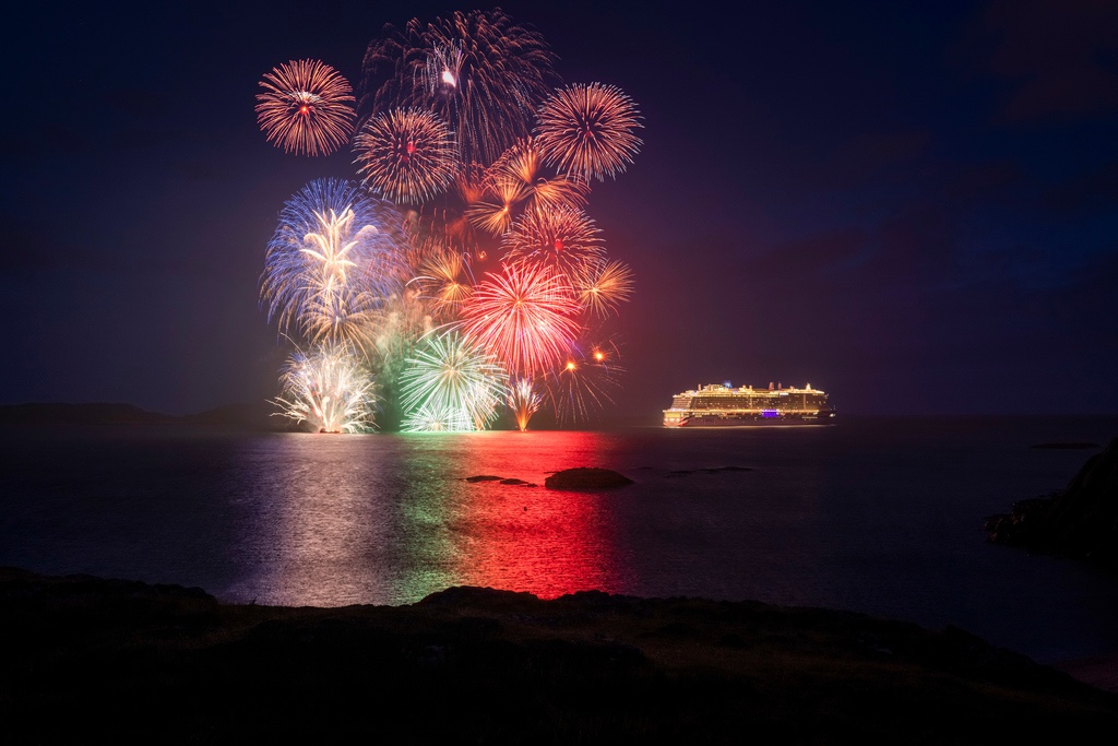 Fireworks celebrate the arrival of cruise ship Iona to her namesakeisland