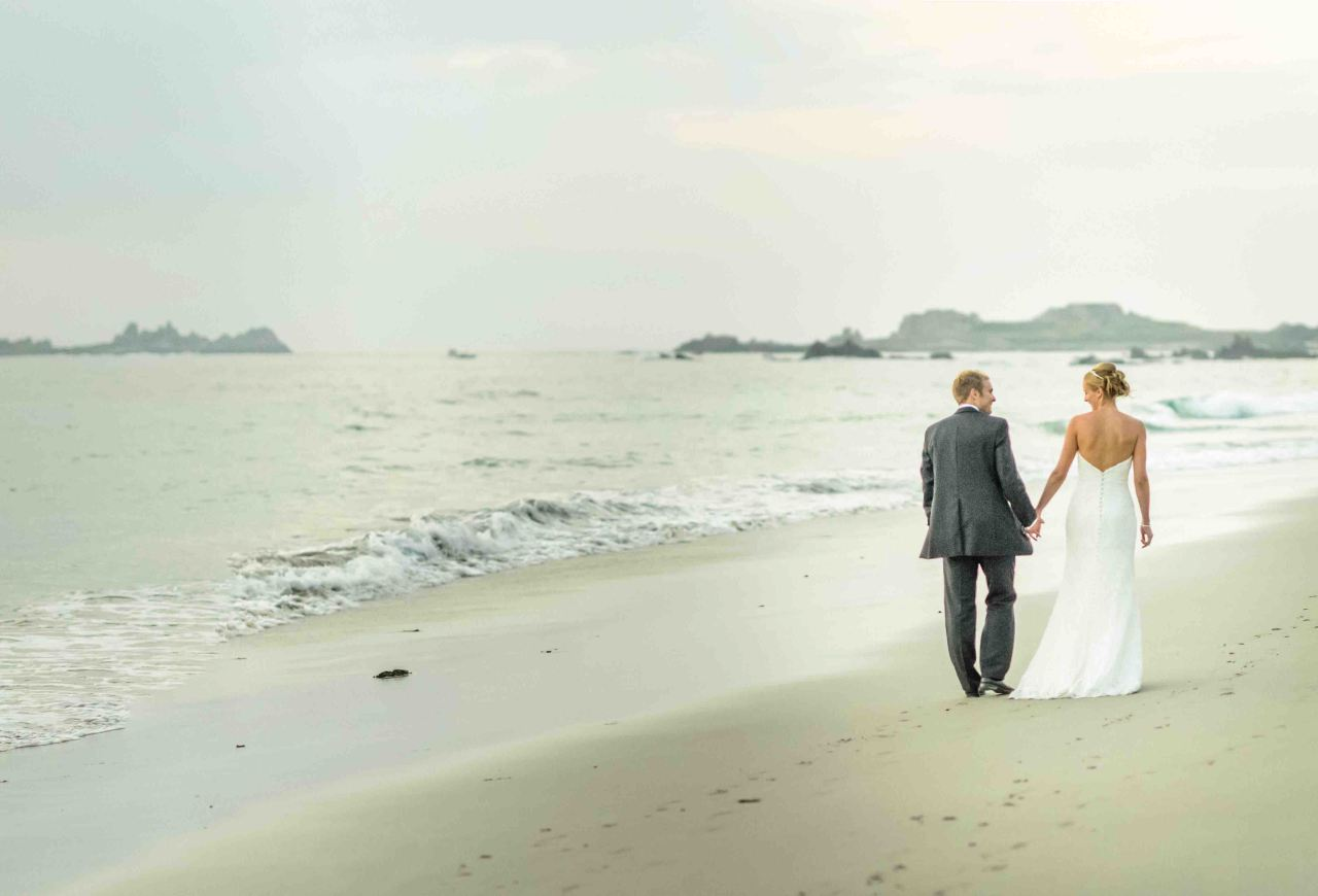 Outsiders can now get hitched onGuernsey